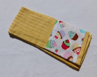Kitchen Towel, Tea Towel, Cupcales Print, 1 Hand Towel, Yellow