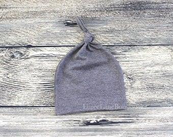 Gray baby beanie/Newborn beanie/Knot baby hat/Knot baby beanie/Infant knit hat/Gray baby hat/Baby shower gift/Newborn hat/Newborn beanie