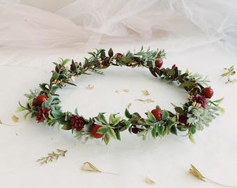 Christmas headband, Holiday Flower Crown, red berries crown, red green flower crown, christmas crown, holly crown, winter crown, greenery cr