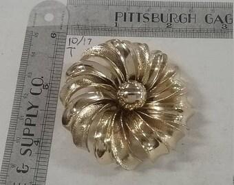 10% OFF 3 day sale Vintage used goldtone flower brooch