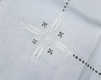 """Vintage embroidered linen 32"""" x 30"""""""