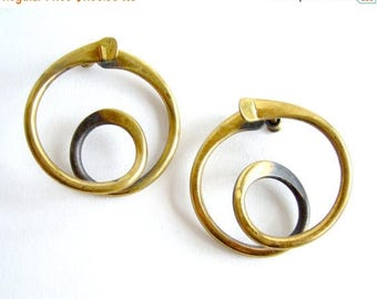 Summer Sale Art Smith American Modernist Brass Swirl Earrings