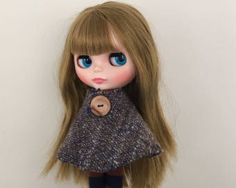 Cape to fit Blythe Neo Dolls. Handmade, knitted with handspun yarn!