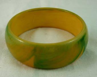 Apple Green and Corn Yellow Swirled Bakelite Bangle