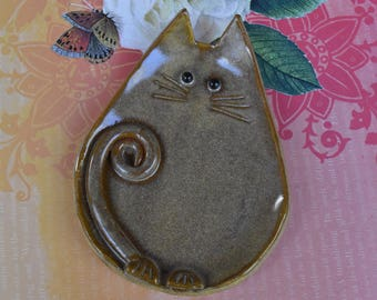 Cat spoon rest.Ring holder. Ceramic cat spoon rest. Spoon rest. Cat ring holder. Cat trinket dish. Cat jewelry holder. Cat teabag holder.