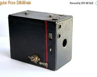 SALE Box Camera, Vintage Black & Red Box Camera, AS IS, Untested, Vintage Camera