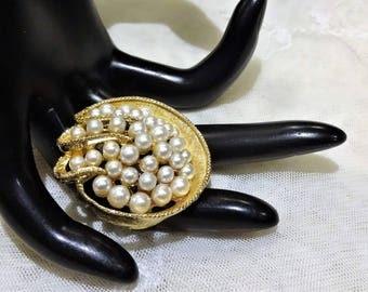 Pretty Vintage Art (Arthur Pepper) Faux Pearl Cluster Brooch