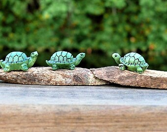 One Miniature Turtle Figurine for Fairy Garden Terrarium or Dollhouse Accessories