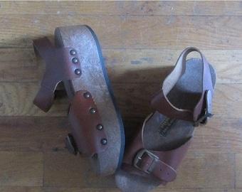 December Sale 1970s platform pop out roller skates | 70's Retro Groovy