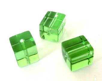 10 x 10mm spring green glass cube beads