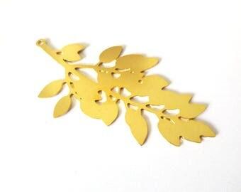 GOLD FILLED leaf pendant / 26x51mm