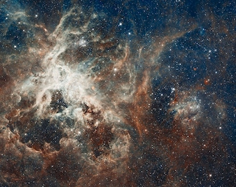 30 Doradus, Tarantula Nebula, Space