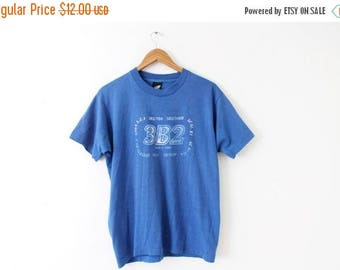 ON SALE LARGE Vintage 1988 3B2 May 9, 1988 Blue Graphic T-Shirt