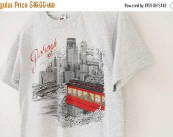 ON SALE SMALL Vintage 1990s Pittsburgh Grey Graphic T-Shirt
