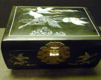 Asian Jewelry-Music Box - Black Lacquer w/ mother of pearl Cranes