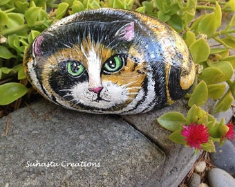 Calico,Cat Rock, Hand Painted Stone Art,Painted Stone Cat, Cat Painting,Animal Gift, Cat Lover, Pet Rock, Kitten Painting, Pet Lover