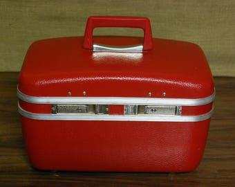Vintage Vanity Train Case 1960's, vintage vanity case, overnight case, vintage luggage, vintage travel case suitcase, original hardcase