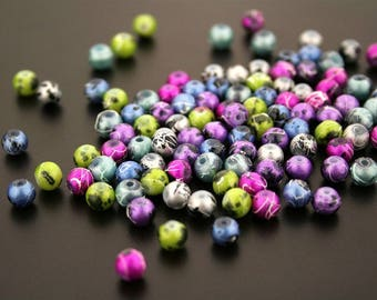 1 lot of 100 small glass beads. (ref:3365).
