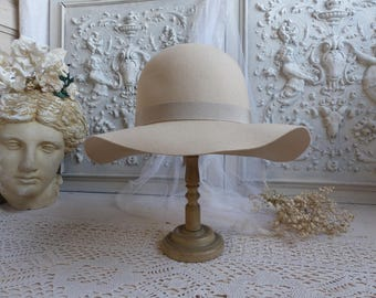 French vintage ladies cream felt wide brim hat. Light beige woman felt hat. Floppy hat Boho chic festival style. Ivory ladies boho chic hat.