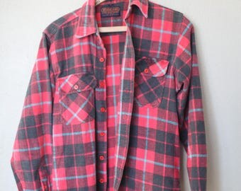 vintage distressed red & black  plaid western cut lumberjack flannel shirt
