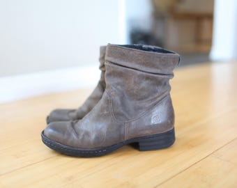 vintage born slouchy khaki brown leather ankle boots booties womens 7