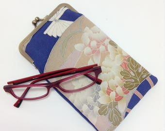 Eye glass case/ Smartphone case /Vintage Japanese Kimono fabric case /Sun glass case / Hand-made/37