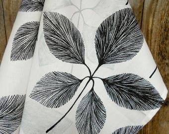Leaf Towel Leaf Design Nature Towel Floral Towel Kitchen Towel Nature Tea Towel Gift For Mother Housewarming Gift Linen Towel Meadow