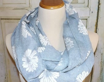 NEW Light Denim Blue Daisy Scarf Floral Accents Beachy Summer Scarf Infinity Women's Accessories