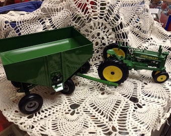 Vintage Style Green John Deere Tractor Wagon farm toy set Farmhouse