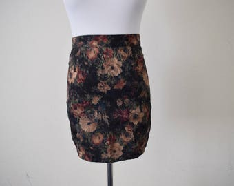 FREE usa SHIPPING Vintage women's A line/ mini skirt/ preppy/ floral/ revival/ 1990s MOD size xs