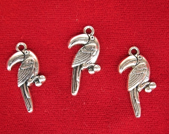 """10pc """"toucan"""" charms in antique silver style (BC1242)"""