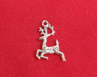 "BULK! 30pc ""reindeer"" charms in antique silver (BC1313B)"