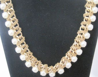 Vintage Faux Pearl and gold tone chain necklace