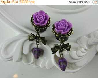 ON SALE Skull plugs and flower purple, gypsy, bohemian, hippie, victorian, burlesque, gothic