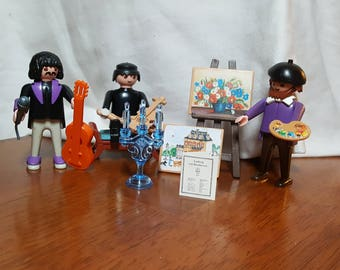 Playmobil musicians and artists are happy to create fantastic art for your Playmobil family, or for any other appreciative toys or humans