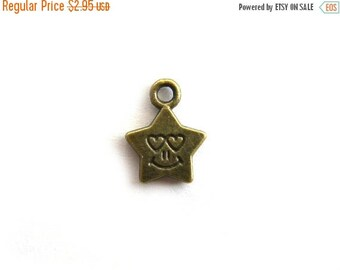 HALF PRICE 10 Smiley Face Bronze Star Charms - 14mm