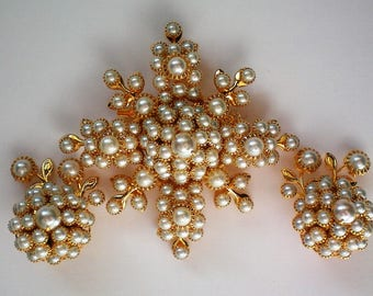 Signed Judy Lee faux Pearl Brooch & Earrings Set - 5457