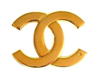 CHANEL ~ Authentic Vintage Gold Plated Brooch Logo  CC