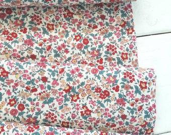 Memoire a Paris Cotton Lawn 2017 - Berry floral(Red) - Lecien - Japan, Inc