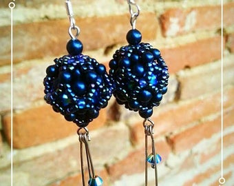 Weaving earrings with pearls and Swarovski crystals