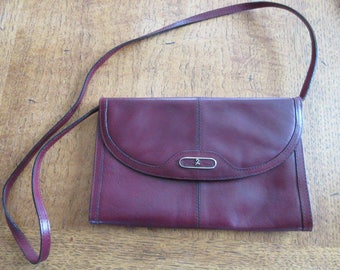 Vintage 1970's Maroon Leather Handbag With Detachable Strap MADE IN ITALY By 'Renato Angi'