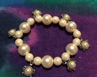 White pearl and turtle bracelet