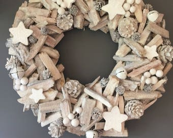 Christmas wreath, Holiday wreath, winter white wreath , star wreath, bell wreath, driftwood wreath. Large wreath. Door wreath, xmas.