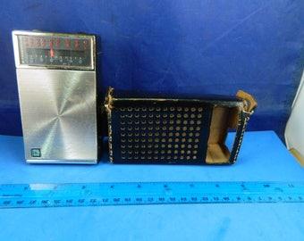 Radio - J.C. Penny Transistor Radio - Black  - Model No. 1155 - 8 Transistor - Case - working condition