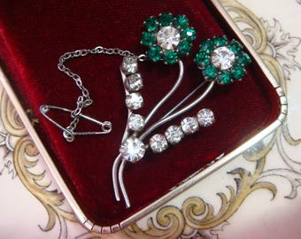 Vintage Art Deco c 1930s Flower Spray Brooch w Emerald Green Czech Crystals, Great Cond. Very Pretty! Vintage Jewellery. 34