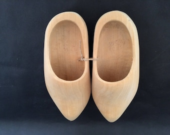 Vintage WOODEN SHOES from HOLLAND, Netherlands, Dutch Wood Shoes, Child's Wooden Shoes, Souvenir Wood Shoes, Natural Wood Shoes