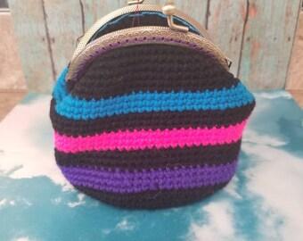 Crochet kisslock coin purse, make up bag, catch all bag, handmade