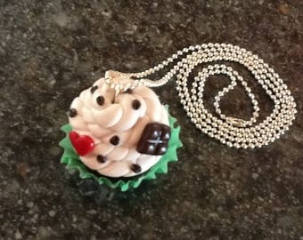 CUPCAKE POLYMER CLAY PENDANT
