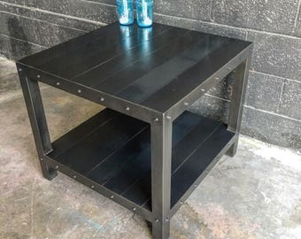 Creighton end table / nightstand