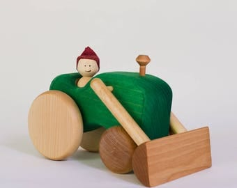 Green wooden tractor, wooden tractor by l'Atelier Cheval de bois